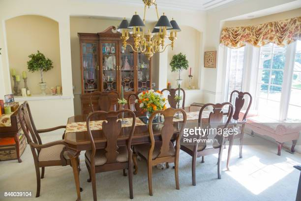 Actor Ernie Hudson's home is photographed for Closer Weekly Magazine on July 5 2017 in Minnesota Dining room PUBLISHED IMAGE