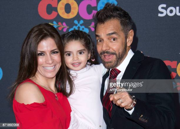 Actor Eugenio Derbez his wife actresss Alessandra Rosaldo and kid attend the Disney Pixar's COCO premiere on November 8 in Hollywood California / AFP...