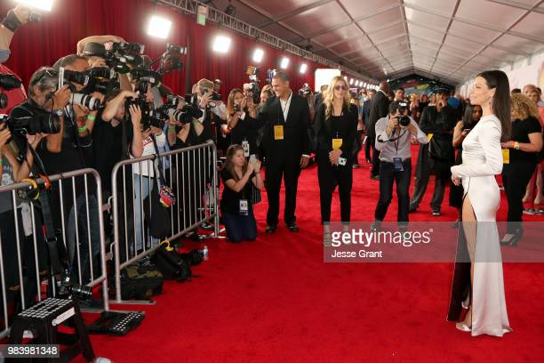 Actor Evangeline Lilly attends the Los Angeles Global Premiere for Marvel Studios' AntMan And The Wasp at the El Capitan Theatre on June 25 2018 in...
