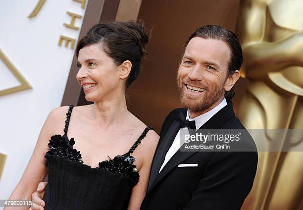 Actor Ewan McGregor and wife Eve Mavrakis arrive at the 86th Annual Academy Awards at Hollywood Highland Center on March 2 2014 in Hollywood...