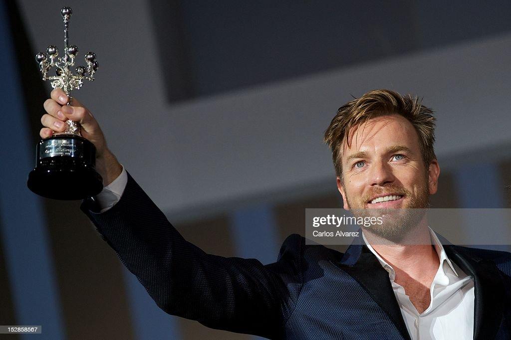 Actor Ewan McGregor receives the 'Donosti' Lifetime Achievement Award at the Kursaal Palace during the 60th San Sebastian International Film Festival on September 27, 2012 in San Sebastian, Spain.