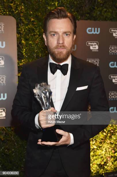 Actor Ewan McGregor winner of the Best Actor in a Movie/Limited Series award for 'Fargo' attends The 23rd Annual Critics' Choice Awards at Barker...