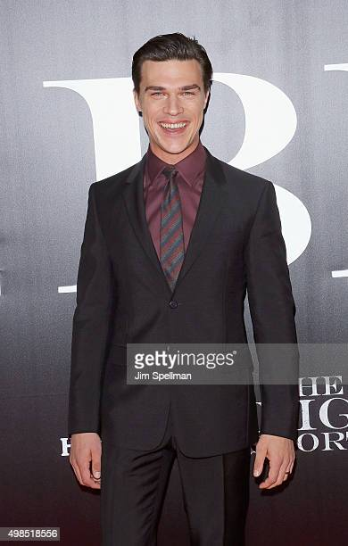"""Actor Finn Wittrock attends the """"The Big Short"""" New York premiere at Ziegfeld Theater on November 23, 2015 in New York City."""