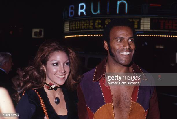 Actor Fred Williamson with girlfriend Mindy at the premiere of the movie The Hospital at the Mann Bruin Westwood in 1971 at Los Angeles California