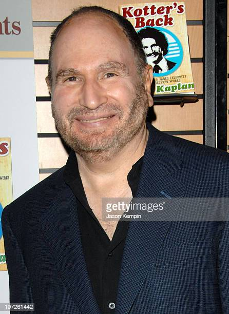 Actor Gabe Kaplan appears at Barnes and Noble to sign his new book Kotter's Back EMails From A Faded Celebrity To A Bewildered World on July 2 2007...