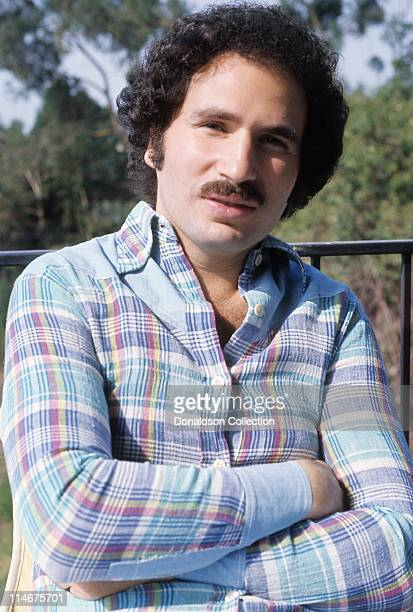Actor Gabe Kaplan poses for a portrait in circa 1985 in Los Angeles California