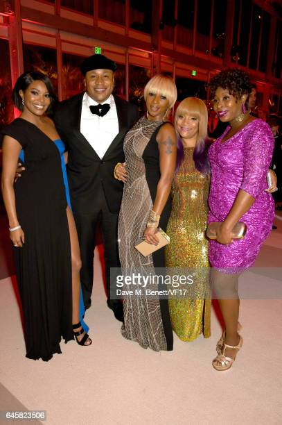 Actor Gabrielle Union rapper LL Cool J singer Mary J Blige Simone Smith and guest attend the 2017 Vanity Fair Oscar Party hosted by Graydon Carter at...
