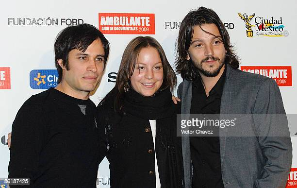 Actor Gael Garcia Bernal Ambulante director Elena Fortes and actor Diego Luna attend the Gira Ambulante 2009 press conference at Cinepolis Diana on...