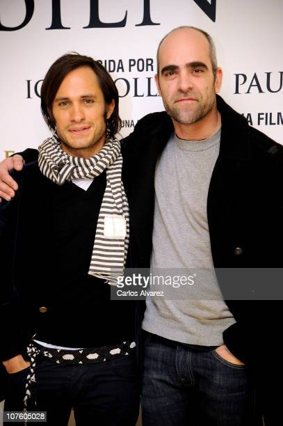 Actor Gael Garcia Bernal and Spanish actor Luis Tosar attend 'Tambien la Lluvia' photocall at Princesa cinema on December 15 2010 in Madrid Spain