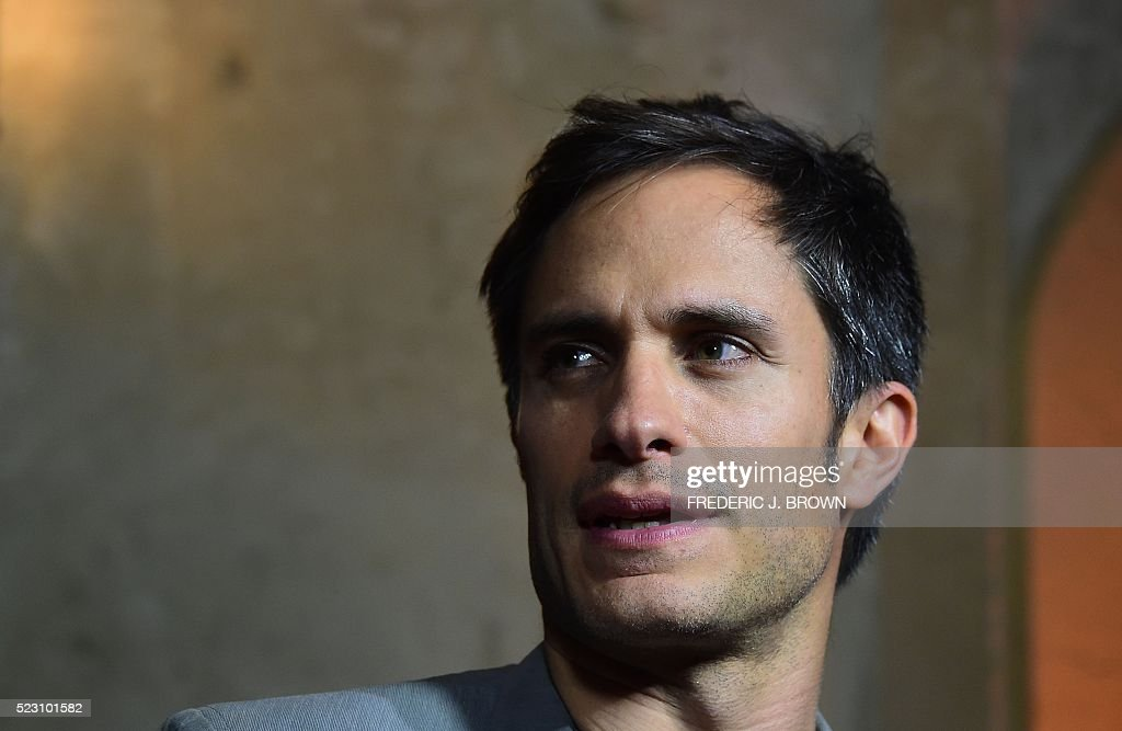 Actor Gael Garcia Bernal takes questions on arrival for a Special Screening of 'Mozart In The Jungle' in Hollywood, California on April 21, 2016. / AFP / FREDERIC