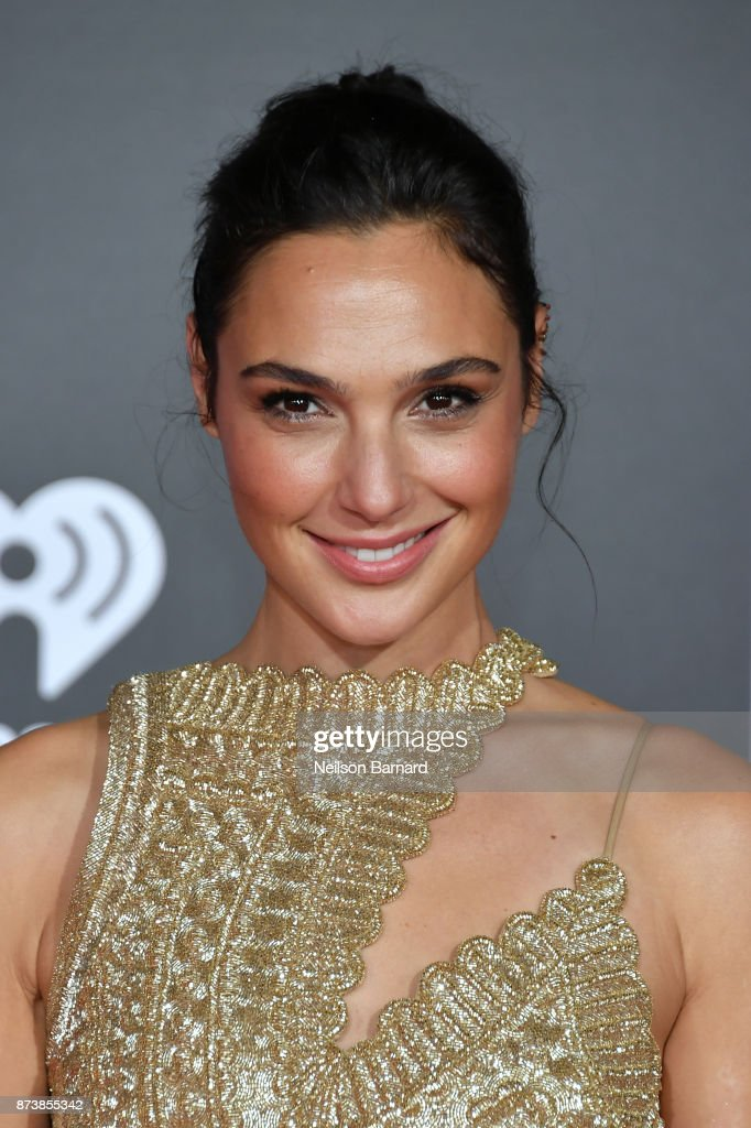Actor Gal Gadot attends the premiere of Warner Bros. Pictures 'Justice League' at the Dolby Theatre on November 13, 2017 in Hollywood, California.