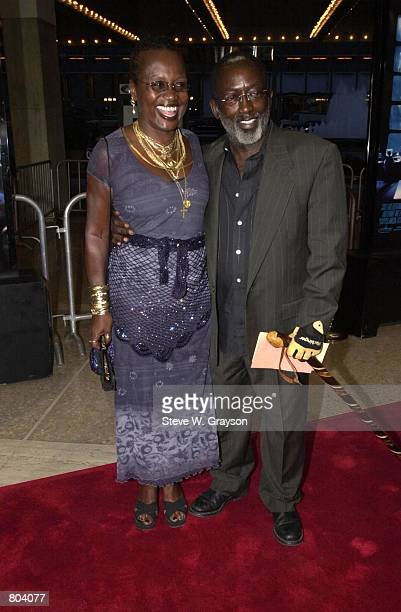 Actor Garret Morris and wife Freda arrive at the premiere of Bait September 12 2000 at the ABC Entertainment Center in Century City California