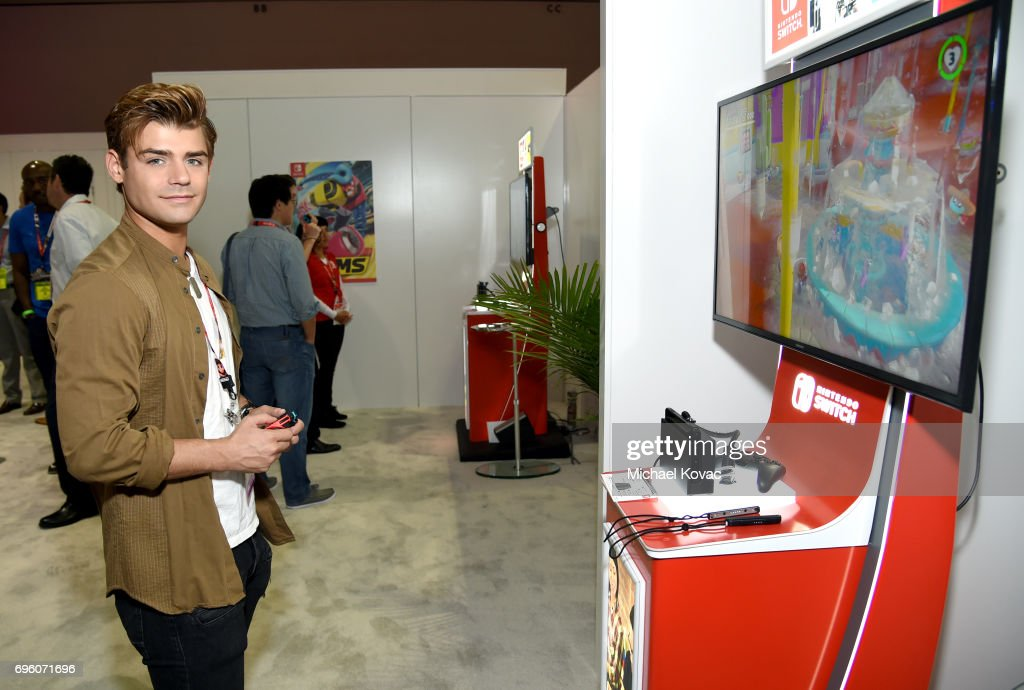 Actor Garrett Clayton plays Super Mario Odyssey at the Nintendo booth at the 2017 E3 Gaming Convention at Los Angeles Convention Center on June 14, 2017 in Los Angeles, California.