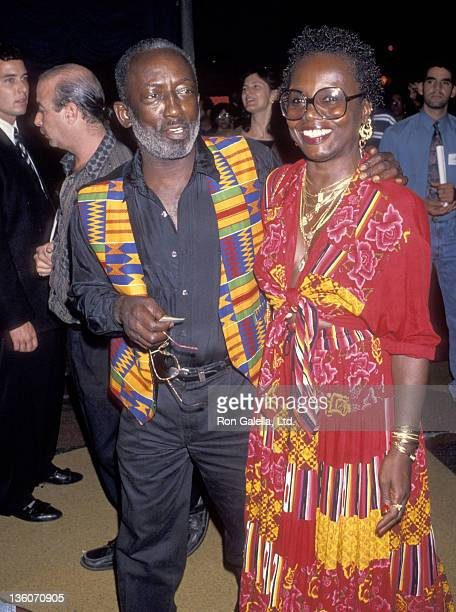 Actor Garrett Morris and date Freda attend the Undercover Blues Westwood Premiere on September 9 1993 at Mann Bruin Theatre in Westwood California