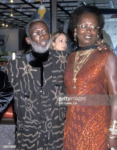 Actor Garrett Morris and wife Freda Morris attend the Saturday Night Live 25th Anniversary Celebration on September 26 1999 at NBC Studios in New...
