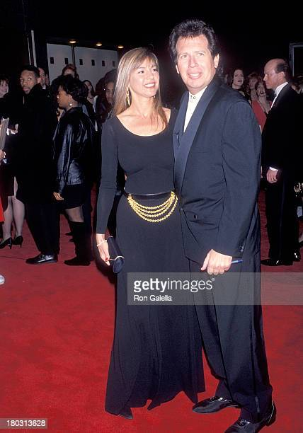 Actor Garry Shandling and girlfriend Linda Doucett attend the 14th Annual CableACE Awards on January 17 1993 at the Pantages Theatre in Hollywood...