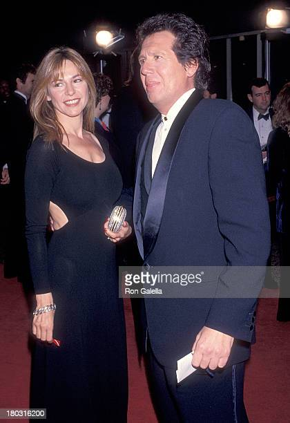 Actor Garry Shandling and girlfriend Linda Doucett attend the 15th Annual CableACE Awards on January 16 1994 at the Pantages Theatre in Hollywood...