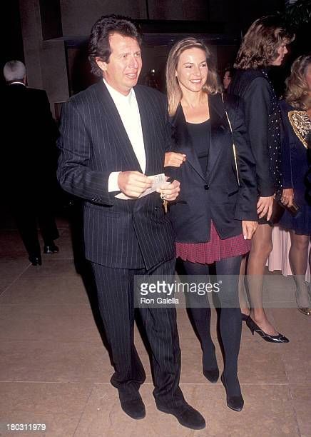 Actor Garry Shandling and girlfriend Linda Doucett attend the Big Sisters of Los Angeles' Fourth Annual Sterling Award Salute to Carol Burnett on...