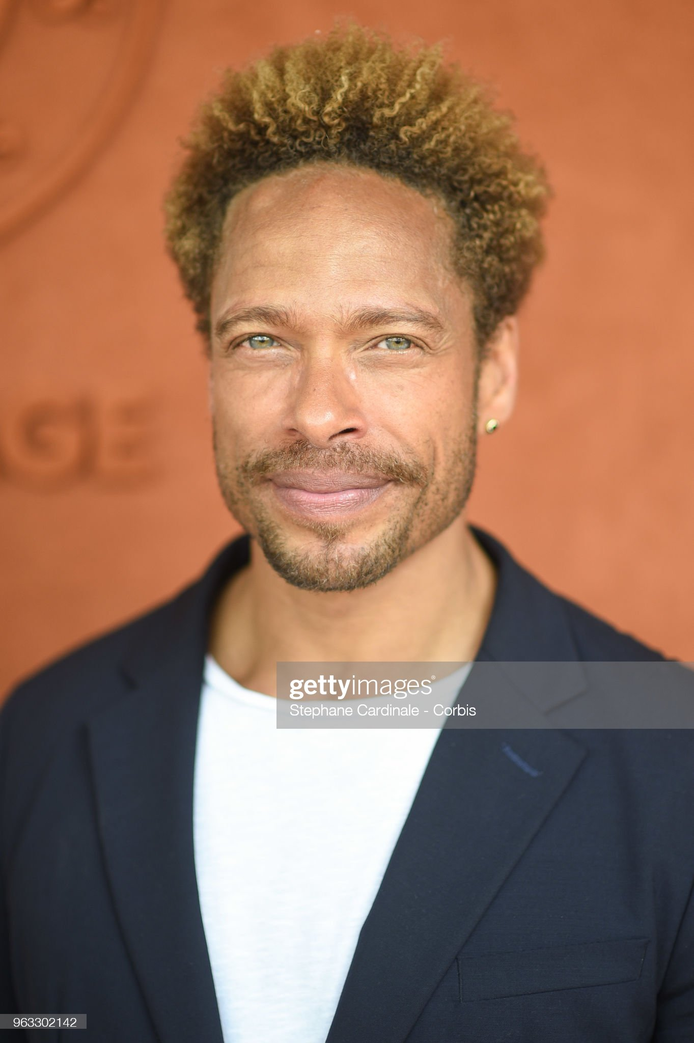 COLOR DE OJOS (clasificación y debate de personas famosas) - Página 11 Actor-gary-dourdan-attends-the-2018-french-open-day-two-at-roland-on-picture-id963302142?s=2048x2048