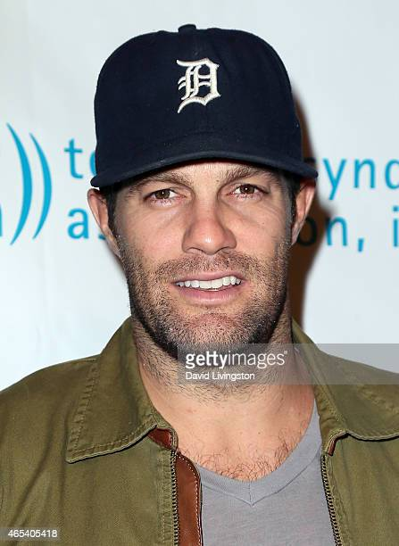 Actor Geoff Stults attends the 2nd Annual Hollywood Heals Spotlight On Tourette Syndrome at House of Blues Sunset Strip on March 5 2015 in West...