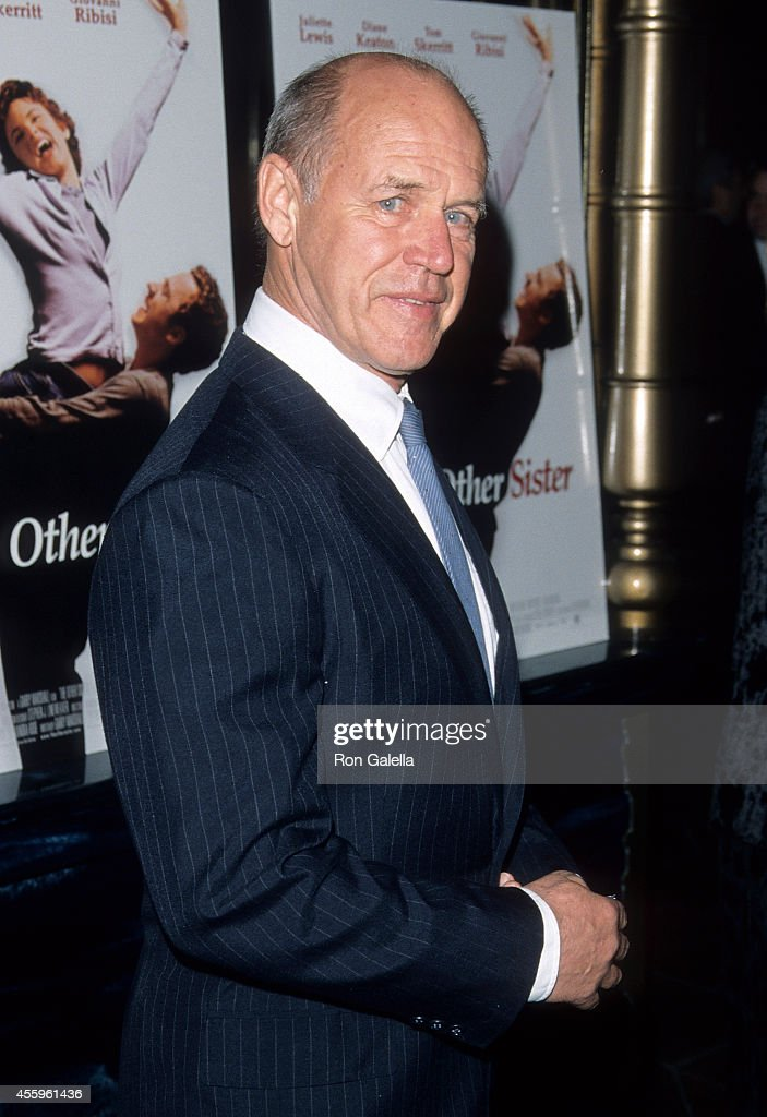 Actor Geoffrey Lewis attends 'The Othe Sister' Hollywood Premiere on March 1, 1999 at the El Capitan Theatrein Hollywood, California.