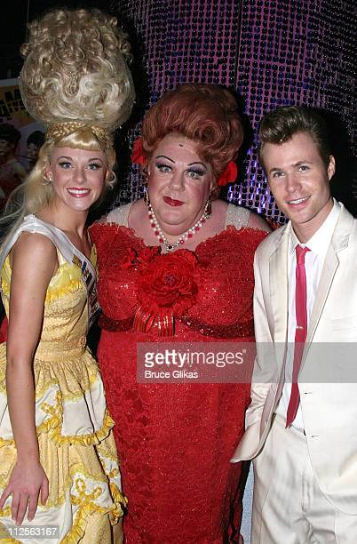 """Actor George Wendt known as """"Norm"""" from The NBC Comedy """"Cheers"""", poses with Ashley Parker Angel and Ashley Spencer , as he makes his debut as """"Edna..."""
