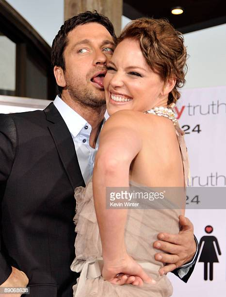 Actor Gerard Butler and actress Katherine Heigl arrive at the premiere of Columbia Pictures' The Ugly Truth held at Pacific�s Cinerama Dome on July...