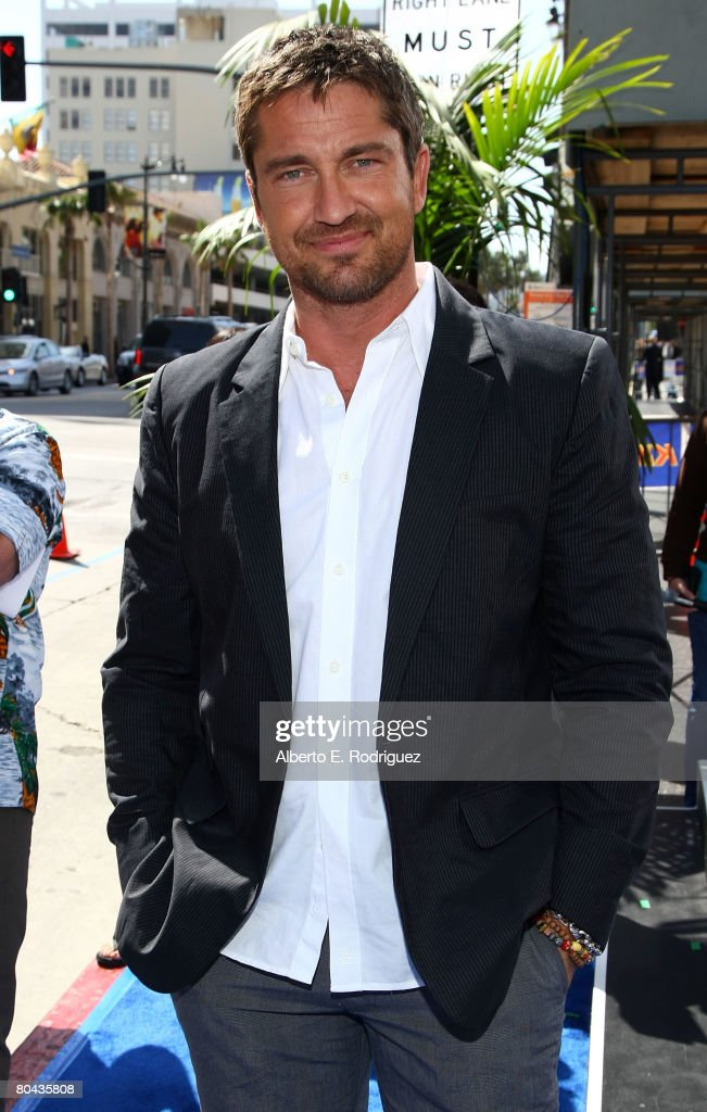 Actor Gerard Butler arrives at the premiere of 20th Century Fox's 'Nim's Island' held at Grauman's Chinese Theater on March 30, 2008 in Hollywood, California.