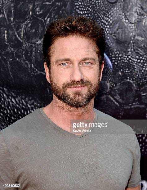 Actor Gerard Butler arrives at the premiere of Twentieth Century Fox and DreamWorks Animation How To Train Your Dragon 2 at the Village Theatre on...