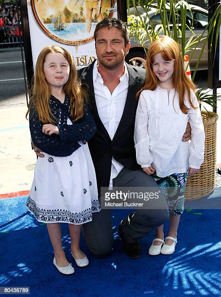 Actor Gerard Butler arrives with nieces Katy and Rachel Butler at the premiere of 20th Century Fox's Nim's Island at Grauman's Chinese Theatre March...