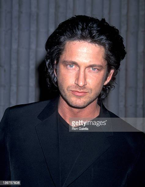 Actor Gerard Butler attends the premiere of 'Dracula 2000' on December 20 2000 at the Avco Westwood Theater in Westwood California