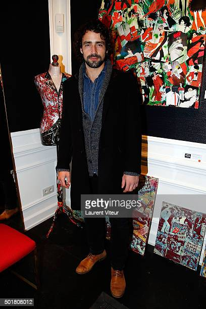 Actor Gray Orsatelli attends 'Accords Croises' Anne Mondy's exhibition at Rue Bonaparte on December 17 2015 in Paris France