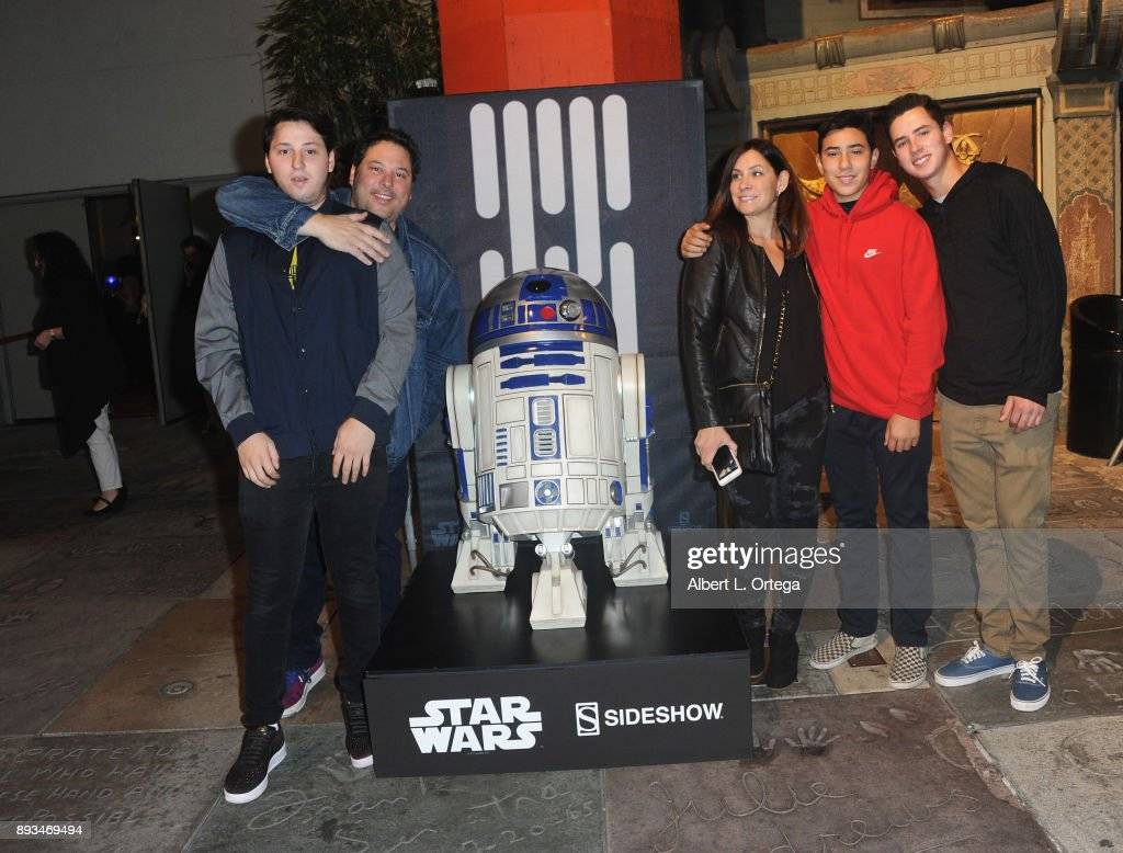 """Opening Night Celebration Of Walt Disney Pictures And Lucasfilm's """"Star Wars: The Last Jedi"""" At TCL Chinese Theatre : News Photo"""