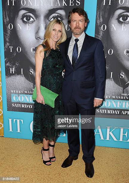 Actor Greg Kinnear and wife Helen Labdon attend the premiere of Confirmation at Paramount Theater on the Paramount Studios lot on March 31 2016 in...