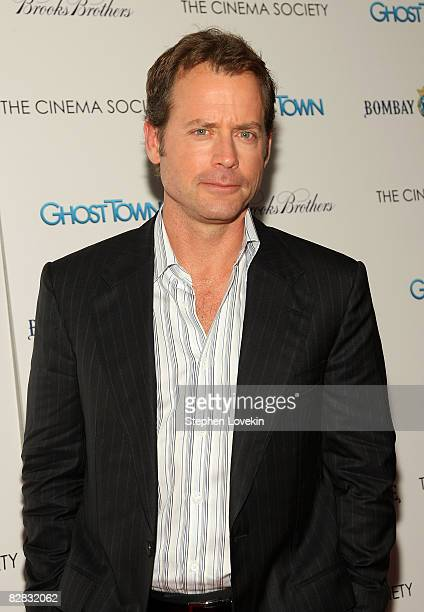 Actor Greg Kinnear attends a special screening hosted by The Cinema Society with Brooks Brothers and Bombay Sapphire at The IFC Center on September...