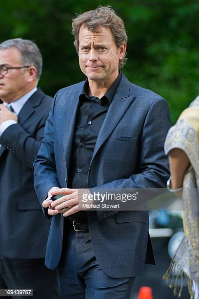 Actor Greg Kinnear attends FOX 2103 Programming Presentation Post-Party at Wollman Rink - Central Park on May 13, 2013 in New York City.