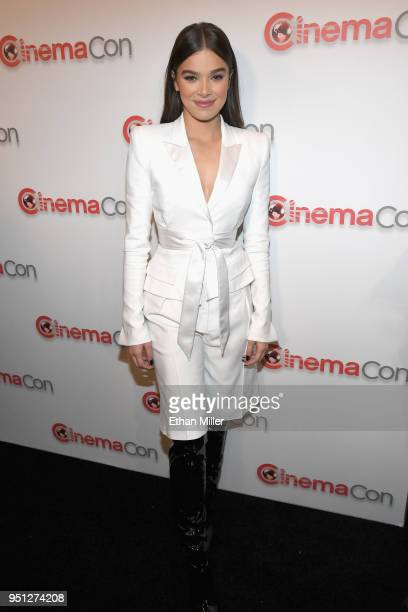 Actor Hailee Steinfeld attends the CinemaCon 2018 Paramount Pictures Presentation Highlighting Its Summer of 2018 and Beyond at The Colosseum at...