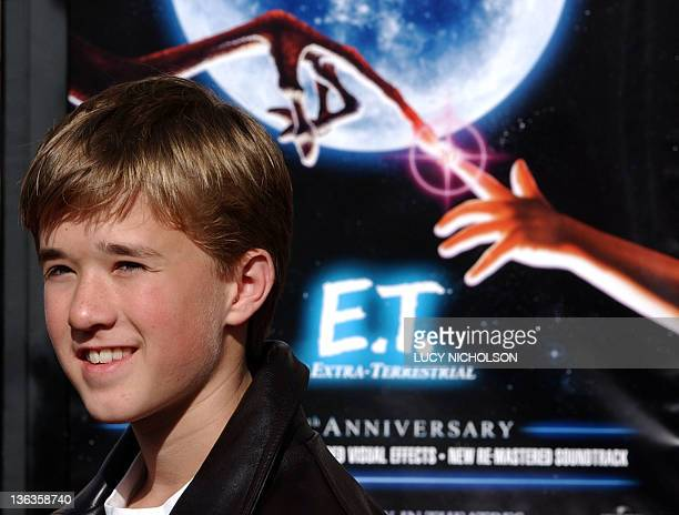 US actor Haley Joel Osment arrives at a 20th anniversary version premiere of his film ET The ExtraTerrestrial in Los Angeles CA 16 March 2002 The...