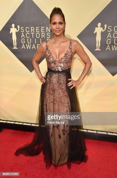 Actor Halle Berry attends the 24th Annual Screen Actors Guild Awards at The Shrine Auditorium on January 21, 2018 in Los Angeles, California....