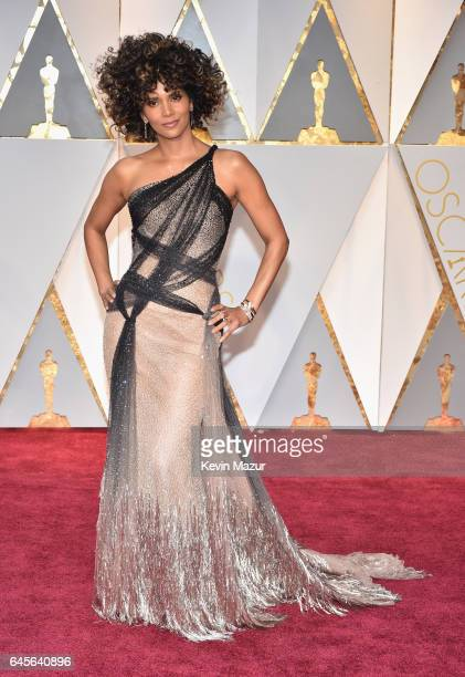 Actor Halle Berry attends the 89th Annual Academy Awards at Hollywood Highland Center on February 26 2017 in Hollywood California