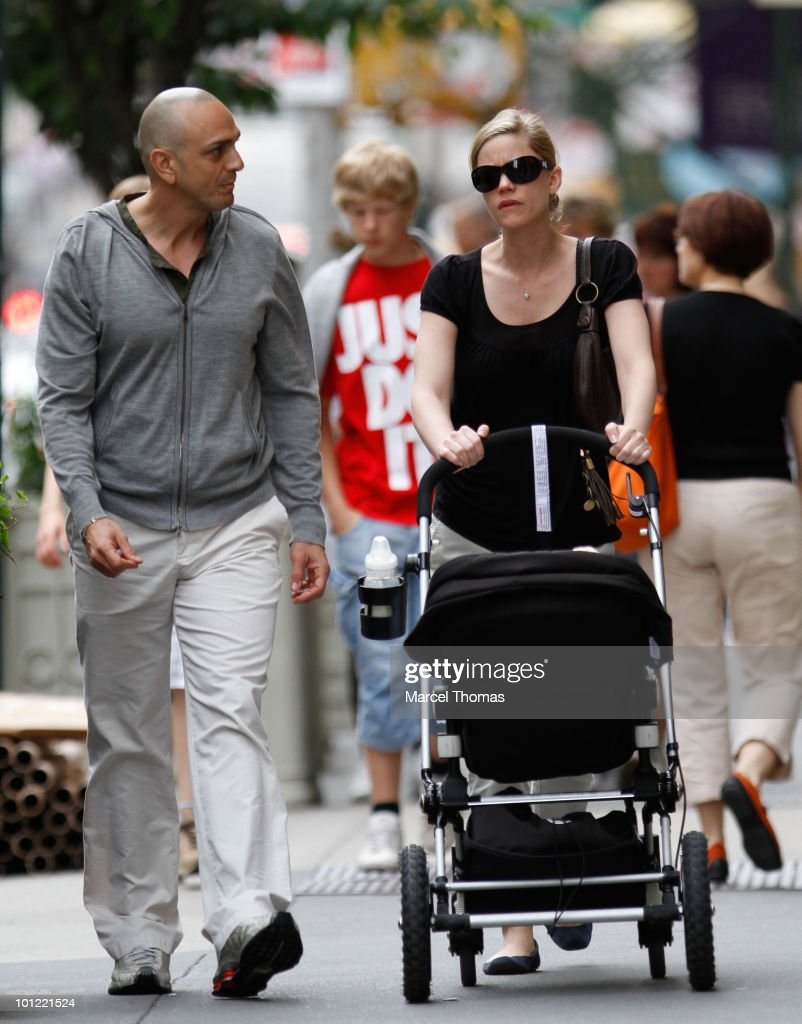 Celebrity Sightings In New York - May 27, 2010 : News Photo