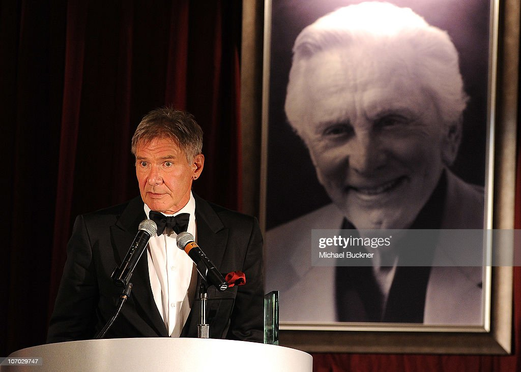 Santa Barbara International Film Festival's 5th Annual Kirk Douglas' Excellence In Film Awards - Inside : News Photo