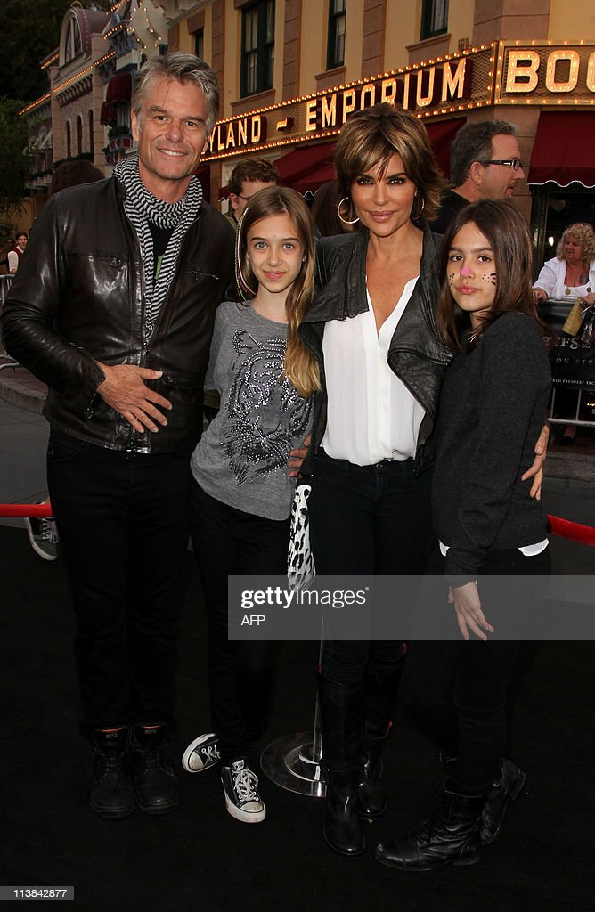 Actor Harry Hamlin and Lisa Rinna withe their daughters