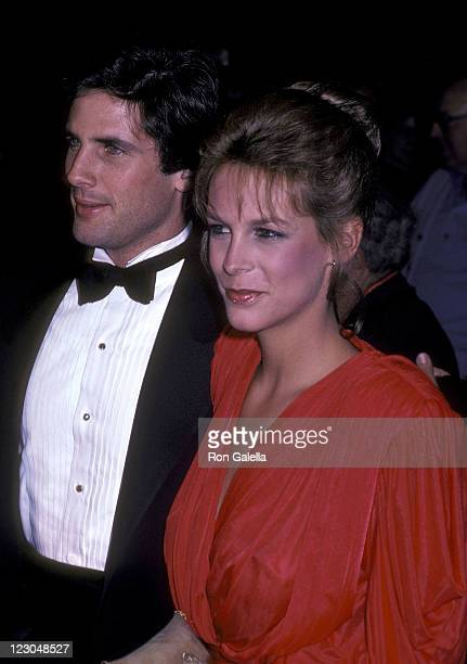 Actor Hart Bochner and actress Jamie Lee Curtis attend the Rich and Famous New York City Premiere on October 6 1981 at the Ziegfeld Theater in New...