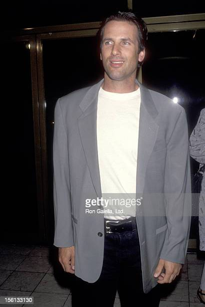Actor Hart Bochner attends the 'Rudy' Westwood Premiere on September 28 1993 at Mann National Theatre in Westwood California