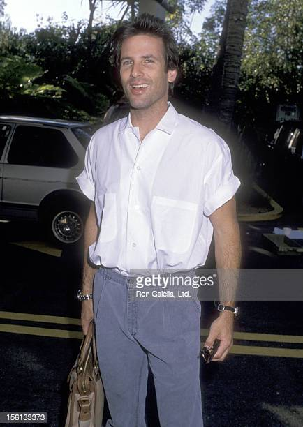 Actor Hart Bochner on October 10 1988 leave the Holiday Inn in Los Angeles California