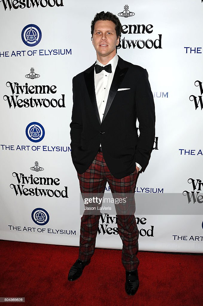 Actor Hayes MacArthur attends Art of Elysium's 9th annual Heaven Gala at 3LABS on January 9, 2016 in Culver City, California.