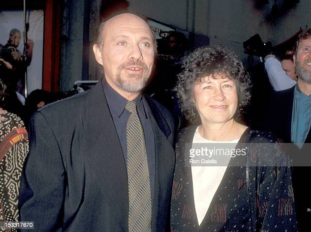 Actor Hector Elizondo and wife Carolee Campbell attend the Beverly Hills Cop III Hollywood Premiere on May 22 1994 at Mann's Chinese Theatre in...