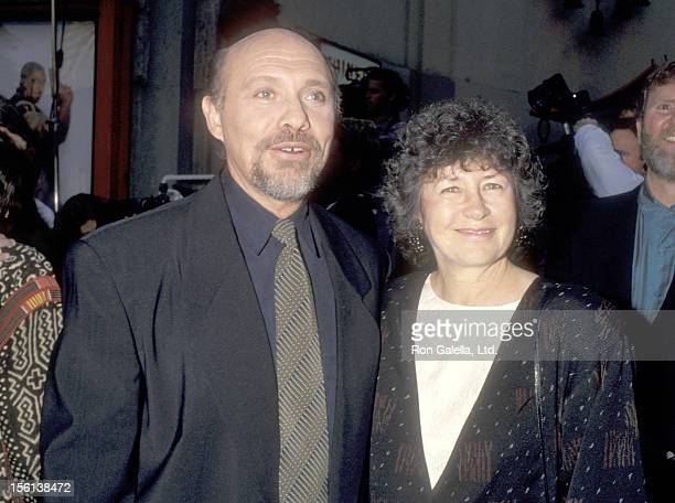Actor Hector Elizondo and wife Carolee Campbell attend the 'Beverly Hills Cop III' Hollywood Premiere on May 22 1994 at Mann's Chinese Theatre in...