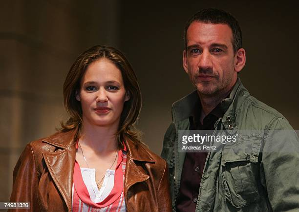 """Actor Heio von Stetten and actress Sonsee Neu pose during the photo call """"Deadline"""" on July 2, 2007 in Berlin, Germany."""